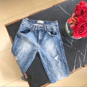 Wildfox oversized boyfriend jeans distressed